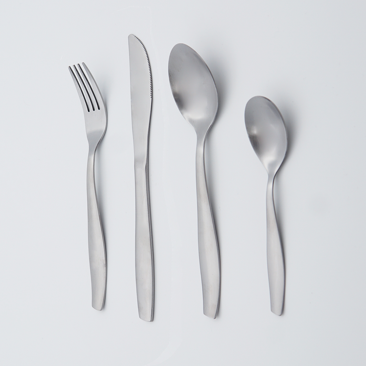 Wholesale Good Quality Cheap silverware flatware Strong and robust cutlery 18/8 stainless steel stainless set