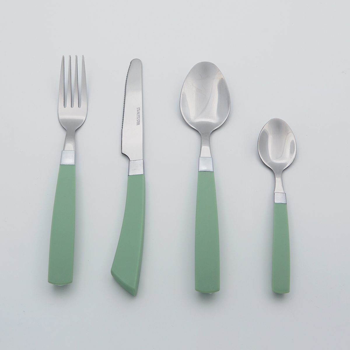 Plastic Handle Mirror Polish Stainless Steel Cutlery Food Grade Flatware Wholesale Silverware Set